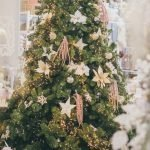 Chic Christmas Tree Styling Tips – Whether You're Going For Class Or Out-Of-The-Box
